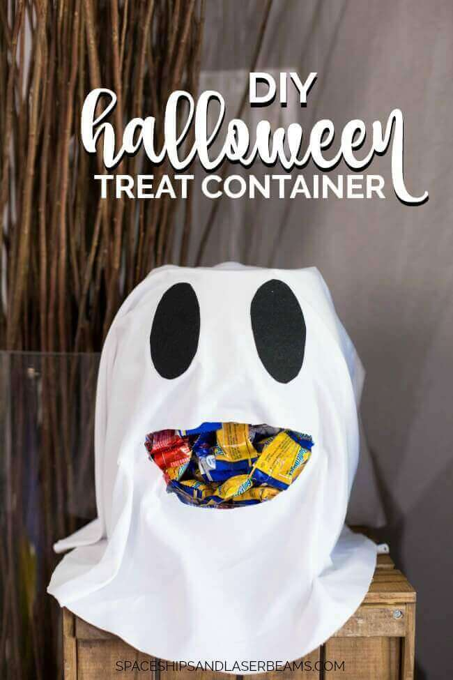 DIY Halloween Treat Container from Spaceships and Laser Beams