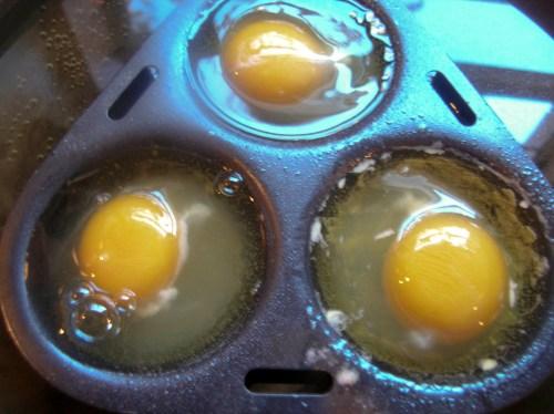 eggsinpan