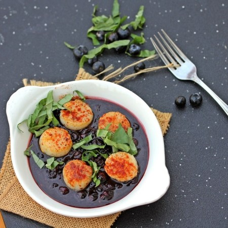 scrumptious seafood- Seared scallops in ginger blueberry sauce