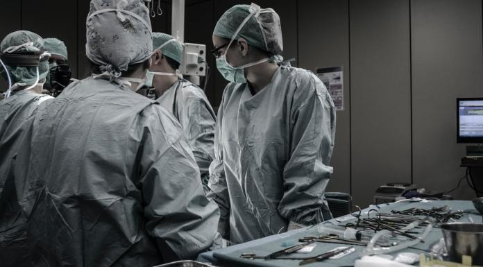 Grecia y Portugal: Recortes y eficacia frente a la pandemia