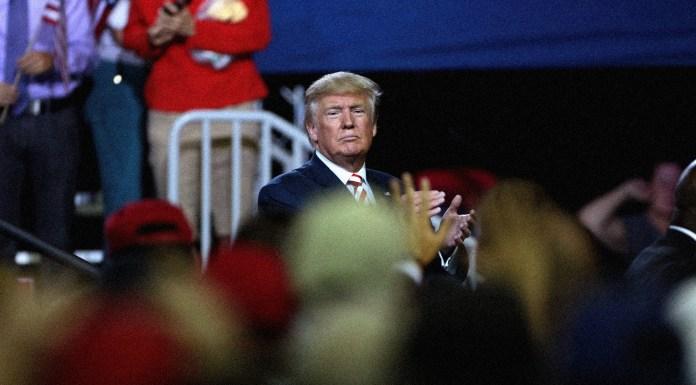El asesinato del populismo (III): La teatralización de la política