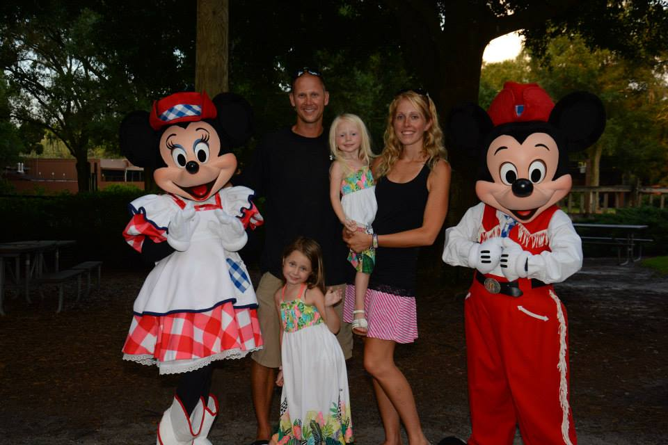 Which Disney World Dinner Show is best for my family?
