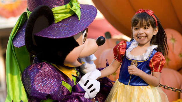 6 Tips For Visiting Mickey's Not-So-Scary Halloween Party with Preschoolers