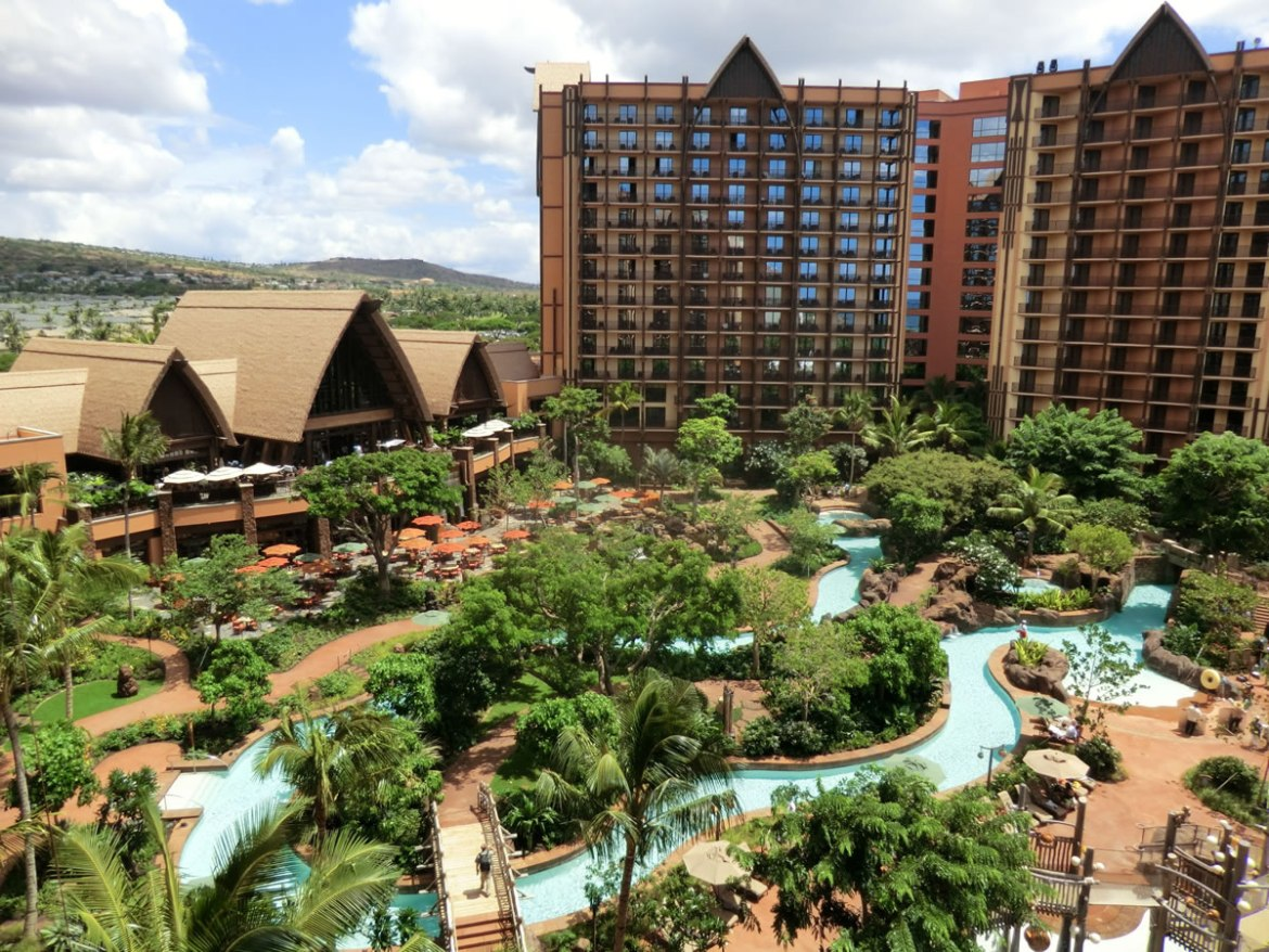 Try These 5 Amazing Disney's Aulani Resort Cocktails at Home