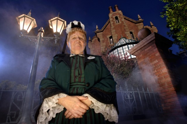 5 Frighteningly Fun Facts About The Haunted Mansion