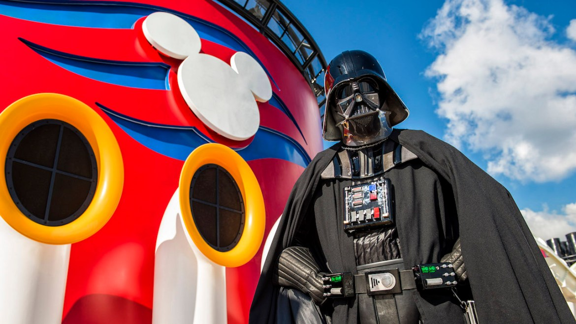 10 Ways To Feel The Force During Star Wars Days at Sea
