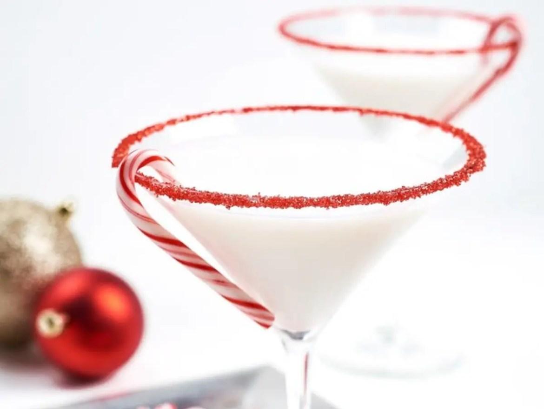 Top 5 Holiday Cocktails at Both Disney World and Disneyland