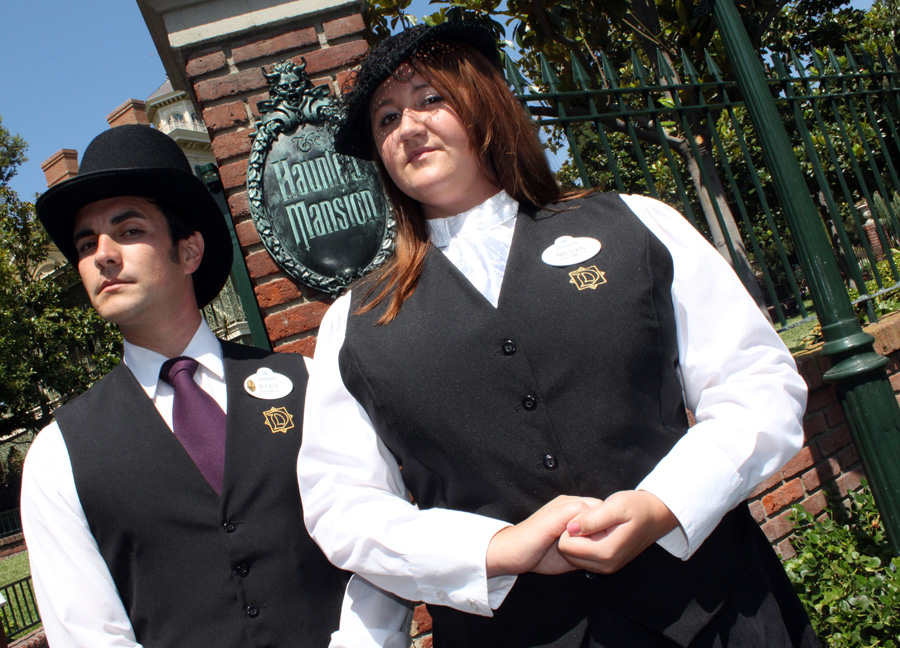Everything You Need to Know About Disneyland's Happiest Haunts Tour