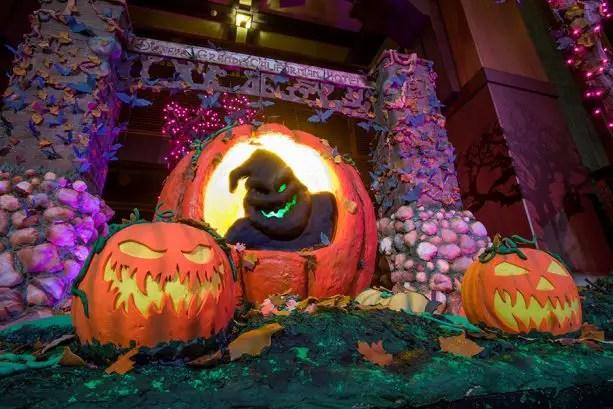 13 Disneyland images