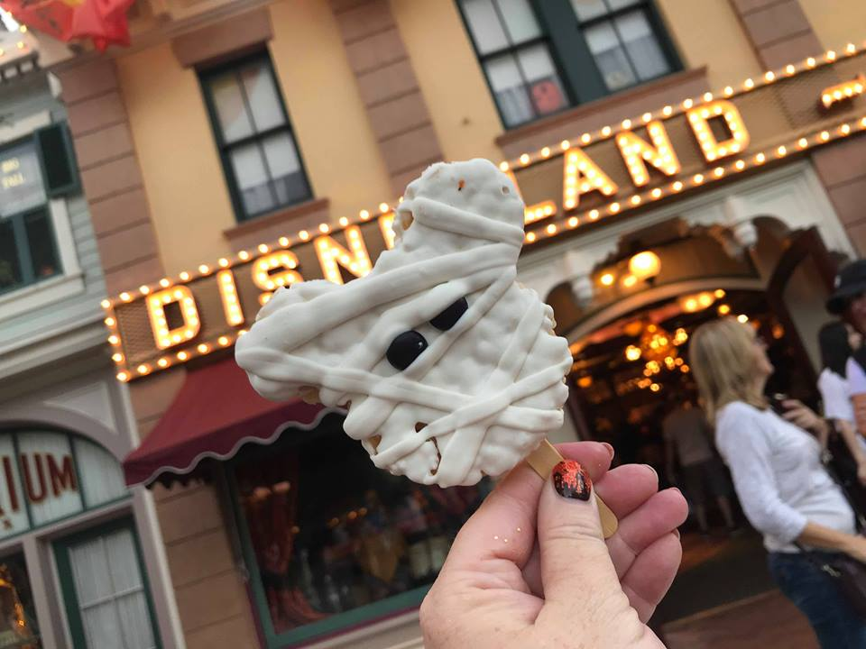 Your Guide to All the Halloween Goodies Available at Disneyland Theme Park