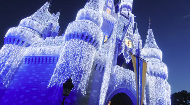 See How Disney World Preps For the Holidays With These Two Fantastic Seasonal Tours