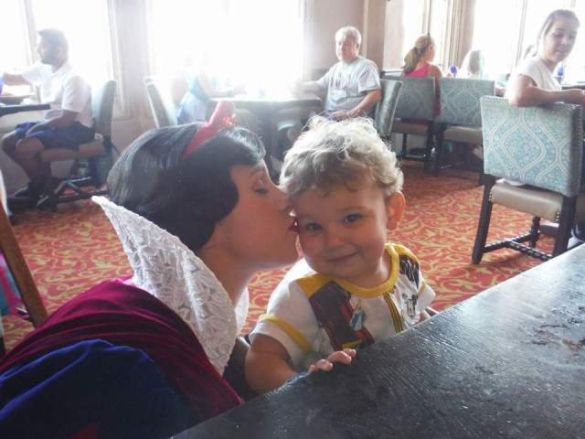 Snow White Kisses boy