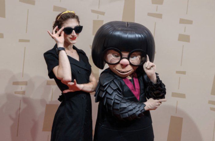 Posing with Edna Mode