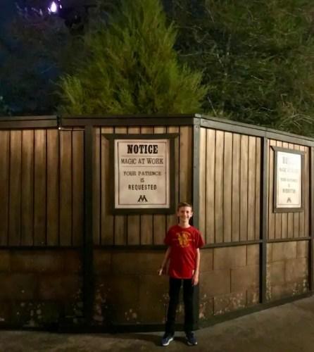 Universal ride closure sign