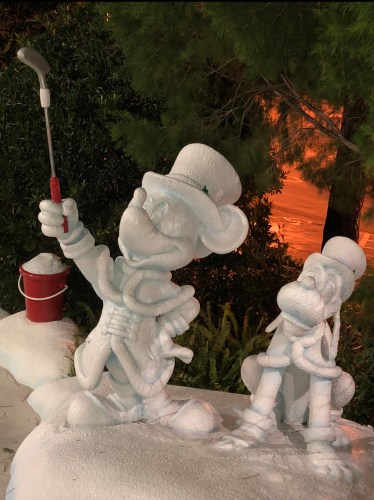 Winter Summerland: A Christmas Themed Mini Golf Course at Disney World 4