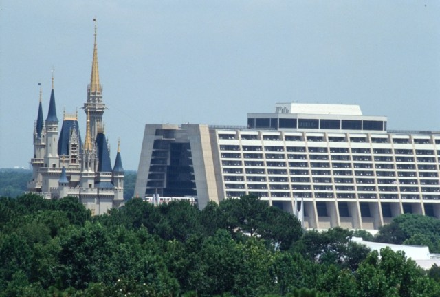 5 Reasons to Stay at Disney's Contemporary Resort 1