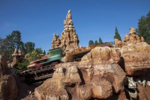 10 Disneyland Rides we Wish had On-Ride Photos 27