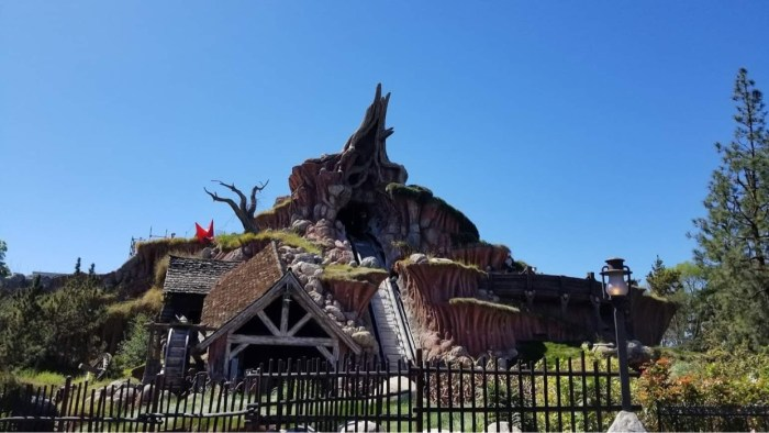 Why did Disney pick Princess & the Frog for Splash Mountain update? 3