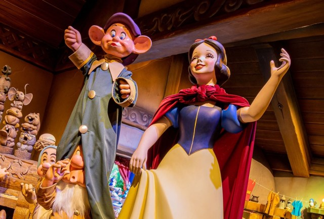 Snow White's Enchanted Wish Attraction Is Coming To Disneyland! 2