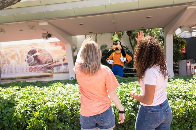 Top 10 Things for Adults to do at Taste of EPCOT International Flower & Garden Festival 2