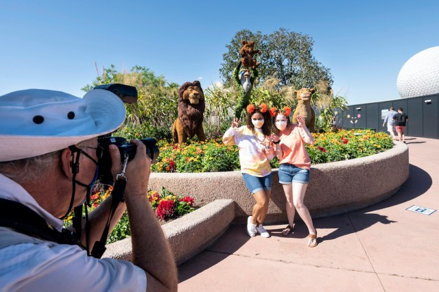 Top 10 Things for Adults to do at Taste of EPCOT International Flower & Garden Festival 8