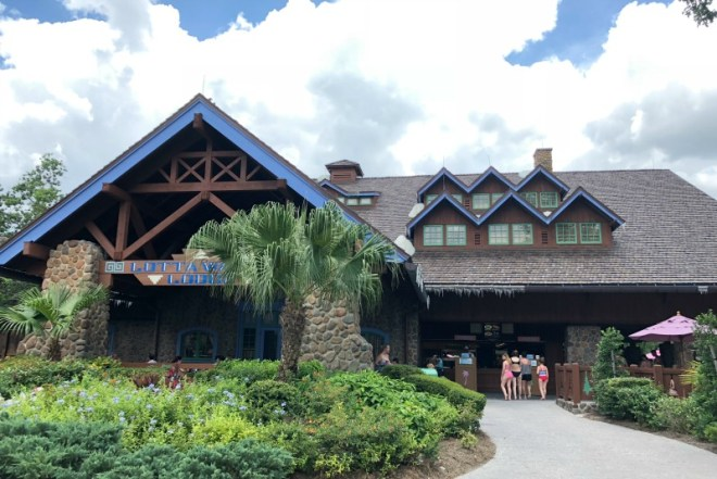 Disneys Blizzard Beach - Lottawatta Lodge