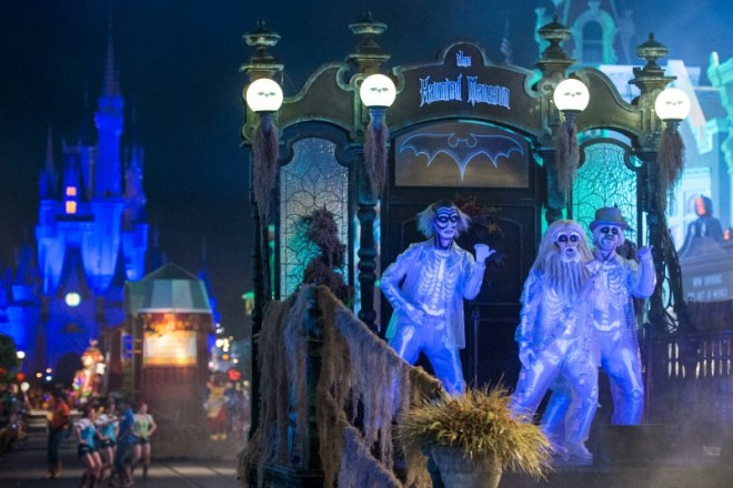 Mickeys Not-So-Scary Halloween Party 101 - Boo to You Parade
