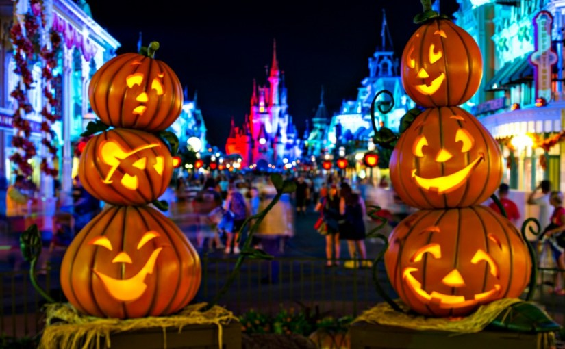 Mickeys Not-So-Scary Halloween Party 101 - Castle and Jack o lanterns