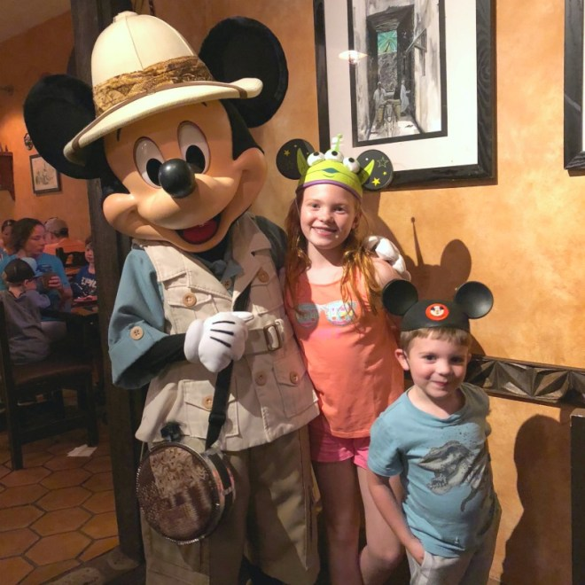 Disney World Character Meal Tusker House Dinner Mickey