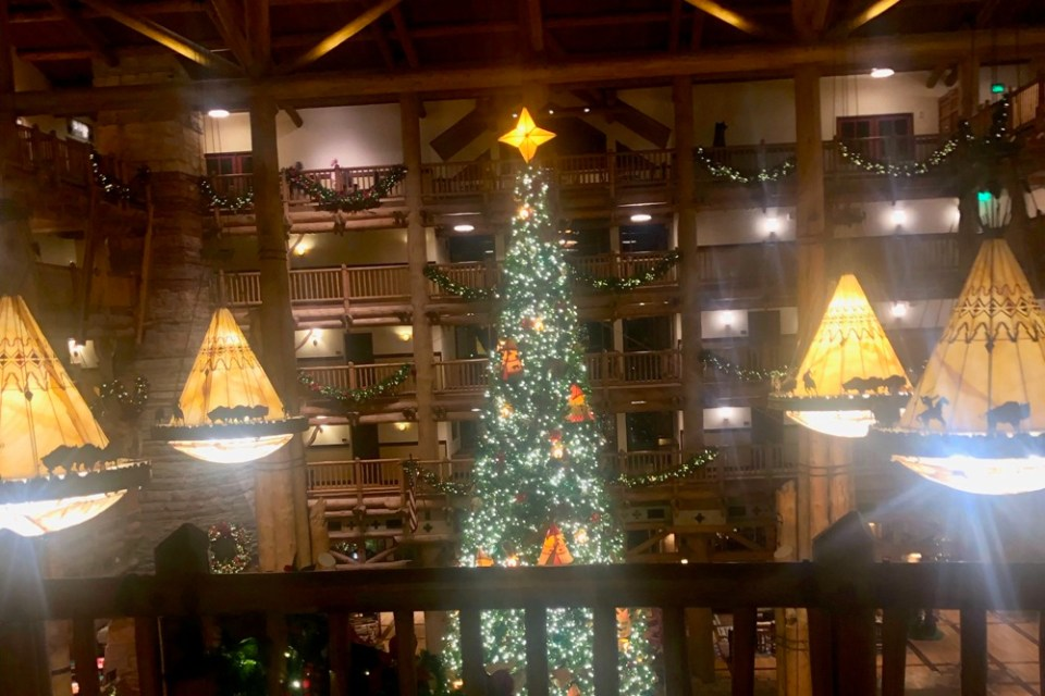 Wilderness Lodge - Christmas Lobby Disney Proposal