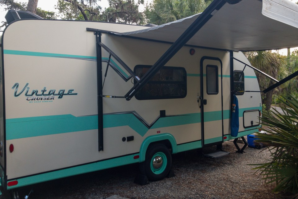 lola, rent a camper