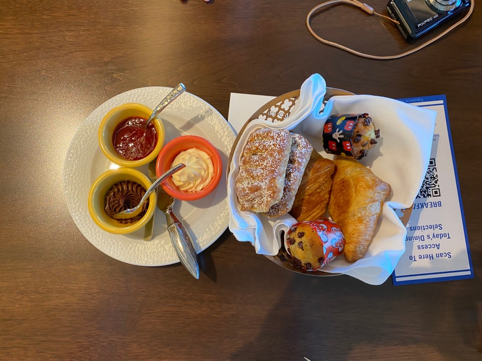 Breakfast at Topolino's Terrace