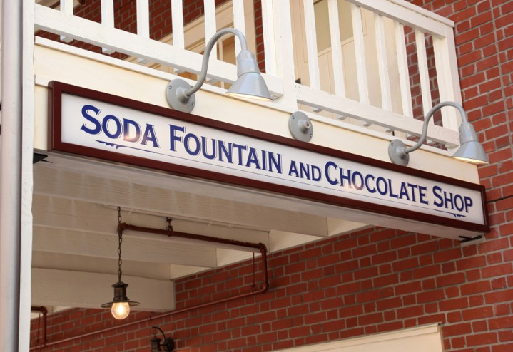 Ghirardelli Soda Fountain And Chocolate Shop Disney California Adventure Exterior 2