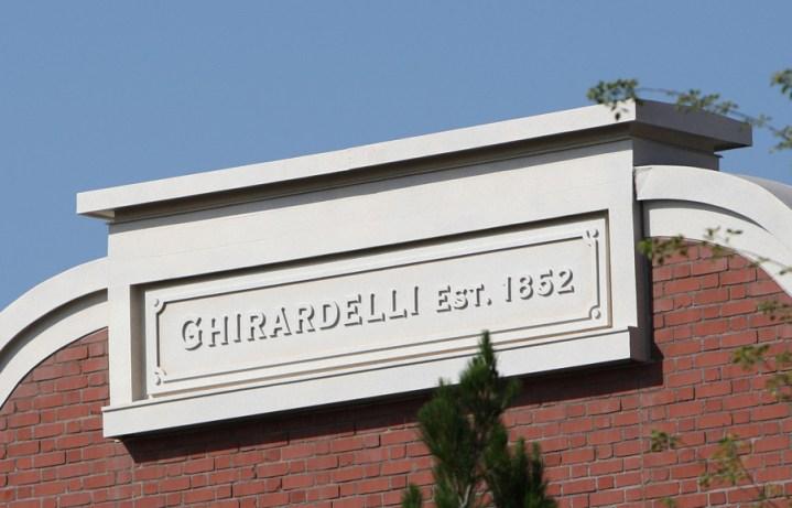 Ghirardelli Soda Fountain And Chocolate Shop Disney California Adventure Exterior 3