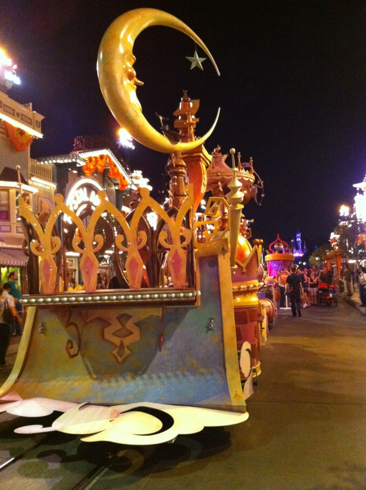 Parade Floats Disneyland Soundsational Annual Passholder Night