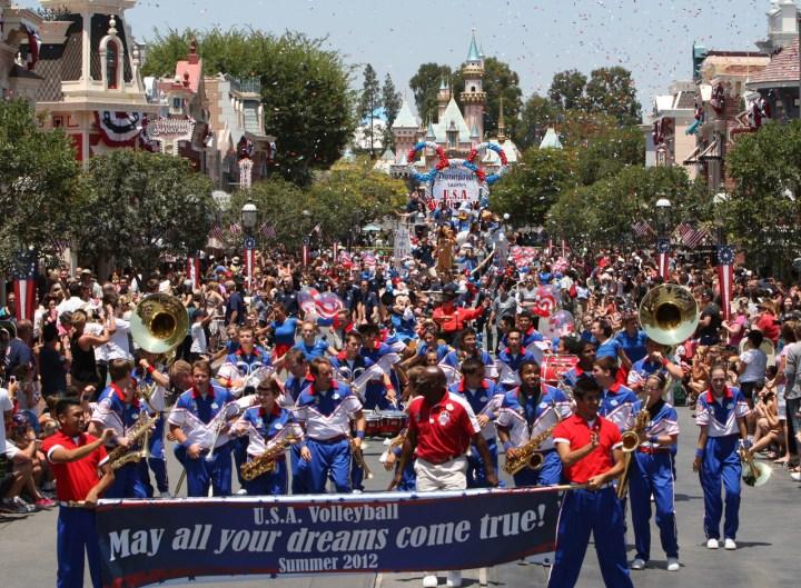 Usa Olympic Volleyball Team Parade Main Street Usa Disneyland