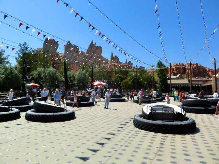 Luigis Flying Tires Cars Land
