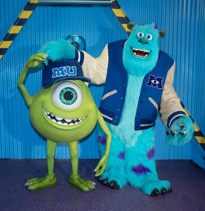 Mike And Sulley Monsters University Photo Op
