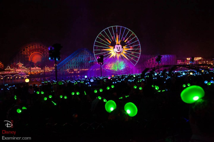 Disney California Adventure Grand Reopening Disneyexaminer Coverage Day 2 Buena Glow With The Show Debut 1