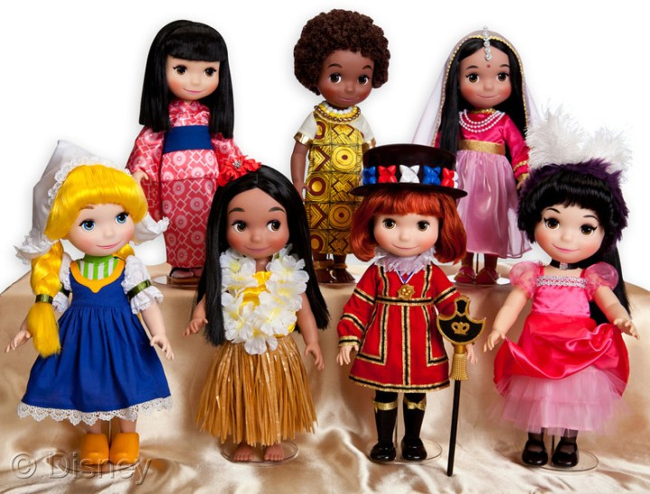 Disney Its A Small World Doll Collection Disneydozen Holiday Shopping List 2013