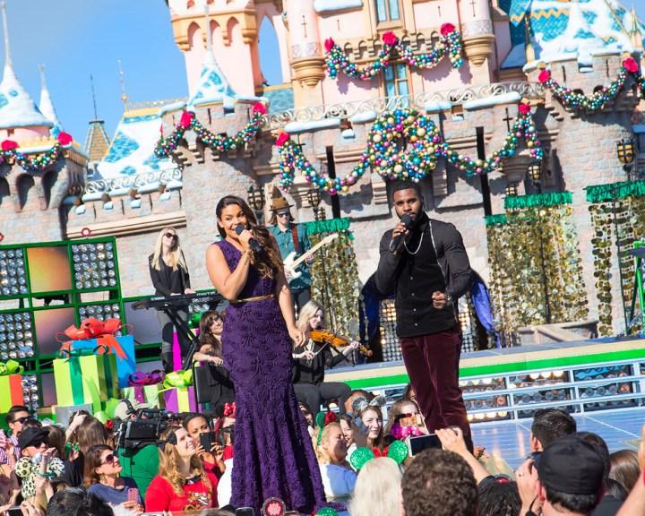 Abc Network Disney Parks Christmas Day Parade Taping At Disneyland 2013 Jason Derulo Jordin Sparks