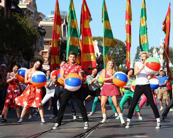 Abc Network Disney Parks Christmas Day Parade Taping At Disneyland 2013 Teen Beach Movie Cast