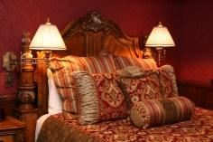 Disneyland Dream Suite Exclusive Tour Disneyexaminer Frontierland Bedroom Twin Beds