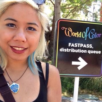 Disneyexaminer Ideal Disneyland Day Zeila Selfie World Of Color Fastpass
