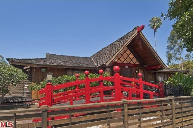 Check these Disney Cribs. | DisneyExaminer