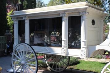 Haunted Mansion Going To Disneyland Alone Guide Disneyexaminer