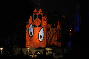Best Places To Watch Disneyland 60 Fireworks Its A Small World 2