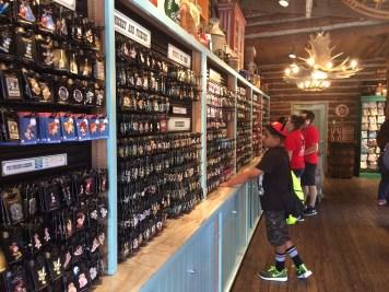 Disneyland Beginner Pin Traders Guide Disneyexaminer Frontierland Westward Ho Shop 2