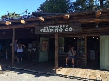 Disneyland Beginner Pin Traders Guide Disneyexaminer Frontierland Westward Ho Shop