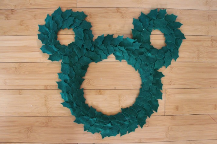 Add Magic To Your Home This Season With This Diy Mickey Mouse